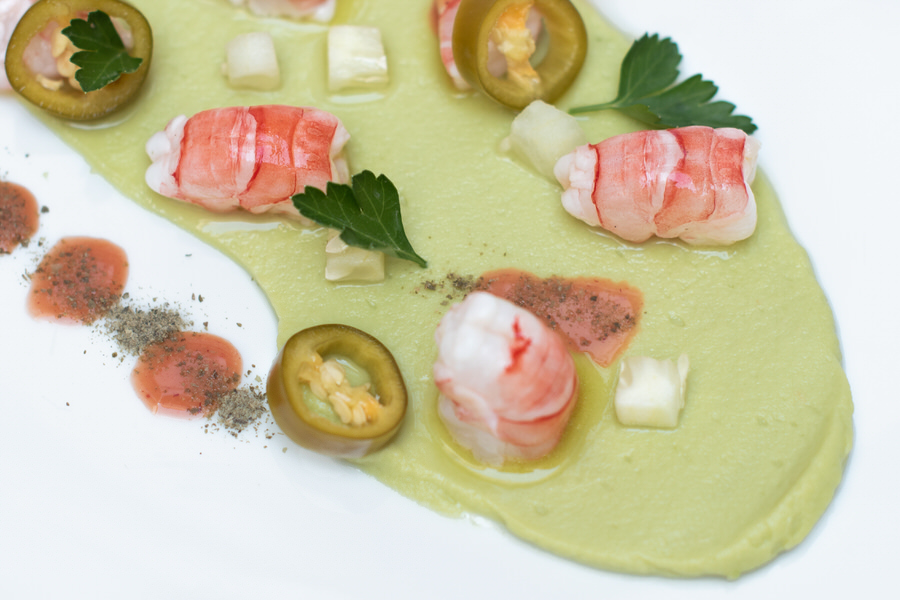 natural chef mallorca | menu - prawn ceviche, avocado purée, capers powder and pickled jalapenos